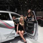 geneva-auto-show-girls-11