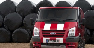 ford-red-transit-sportvan-special-edition_01